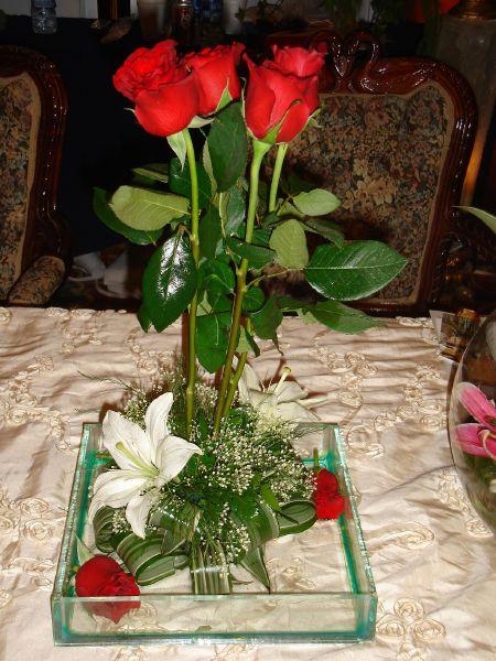 Centro de mesas de flores naturales imagui for Centros de mesa con plantas naturales
